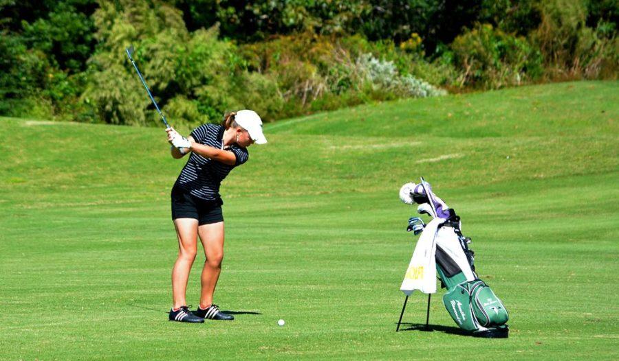 Annika Bovender wins the girl's golf state championship