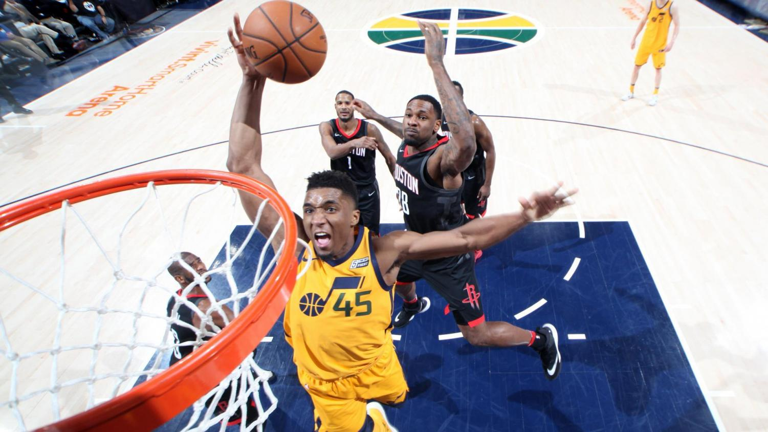 Donovan Mitchell slams down dunk with authority