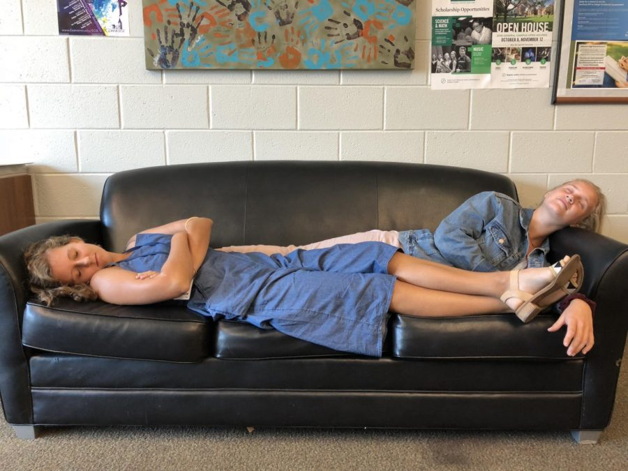 Seniors+Caroline+Young+and+Savannah+Wray+are+taking+a+nap+in+the+senior+lounge.