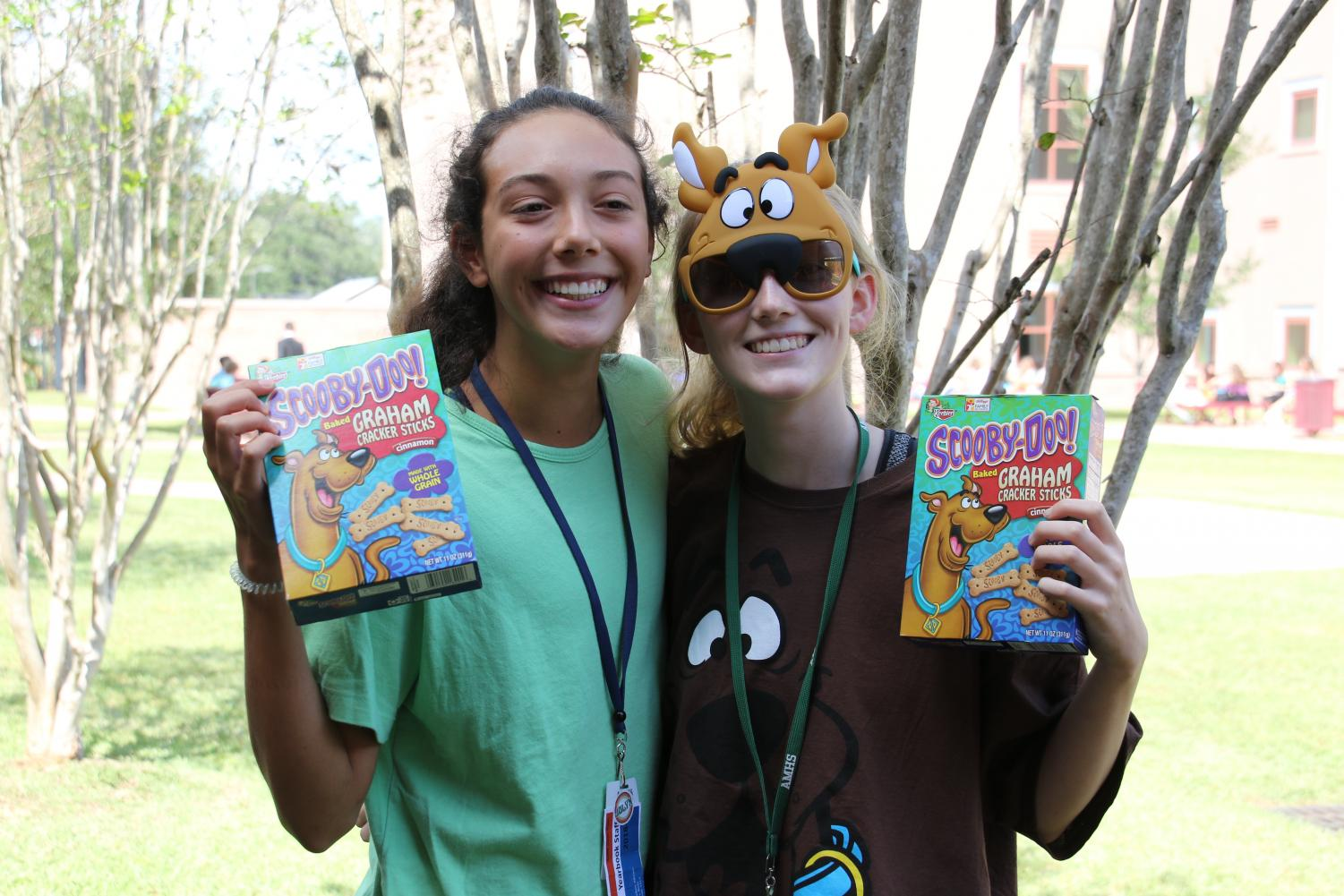 Students+show+off+their+Scooby+Doo+costumes.