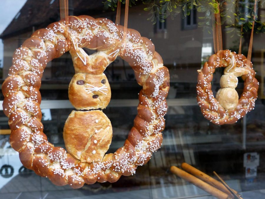 German+towns+are+filled+with+decorative+Easter+breads+known+as+%22osterbrot%22+